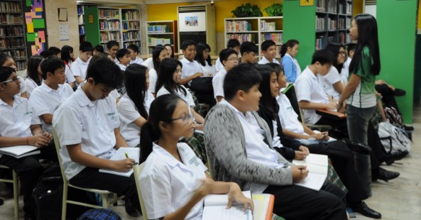 Grade 8 Library Instruction with Ms. Ann Grace Bansig HS Reader's Services Librarian