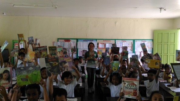 Bookmobile Library at Baha Elementary School, Calatagan, Batangas last  September 14, 2016