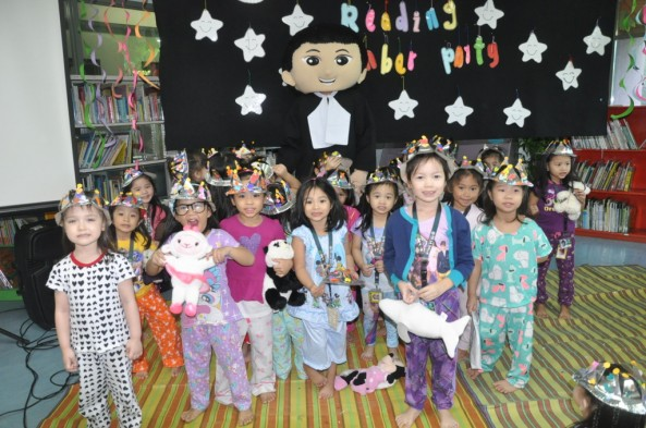 Reading Slumber Party was participated in by Pre-Kinder pupils last September 15, 2016. The Activity was facilitated by Ms. Jenissa dela Rosa, Ms. Ann Grace Bansig ,Ms. Cecilia Grace Cabrito and the GS LRC Staff in collaboration with the  GS Reading Department