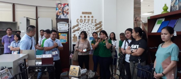 Ms. Patrocinio, Ms. Tomagan, Ms. Villareal, Mr. Ravalo and Ms.Utap join in the MUNPARLAS Biyaheng Aklatan last April 22, 2019