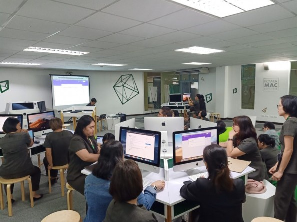 Kapihan sa Aklatan: Applying Google Tools in your Work Place was conducted by Mr. Fabellon with  DLSZ  Administrators,Teachers and Staff last July 22, 2019 at the Power Mac Center